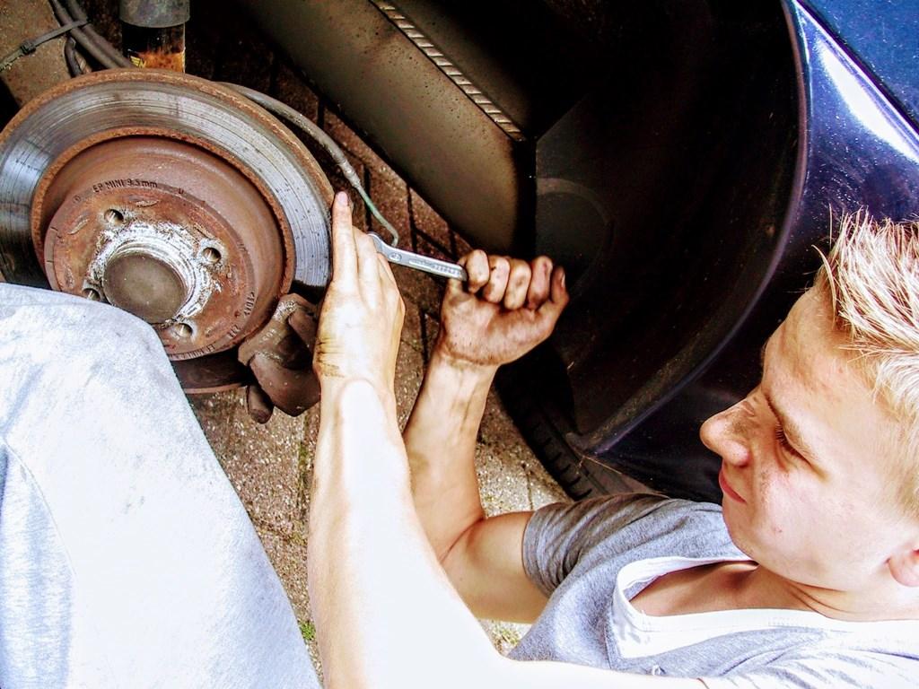 Naprawa samochodu – fot. Pixabay