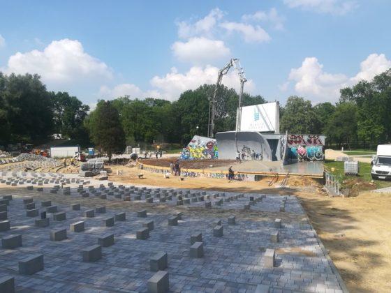 Trwa remont amfiteatru w czeladzkim Parku Grabek - fot. UM Czeladź