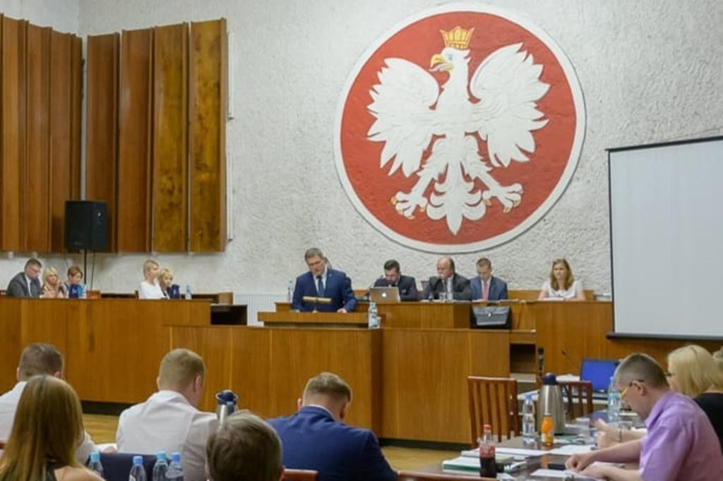 Absolutorium dla prezydenta Komoniewskiego – fot. UM Będzin