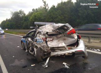 Policjanci ranni po wypadku na S1 - fot. KMP w Sosnowcu