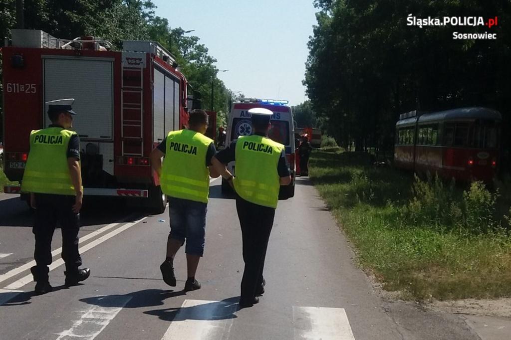 Motocyklista potrącił matkę z dwójką dzieci - fot. KMP w Sosnowcu