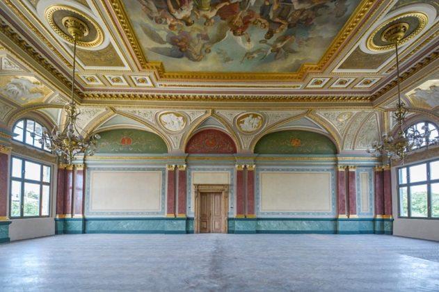 Odrestaurowana aula Szkoły Realnej - fot. Opal Maksimum