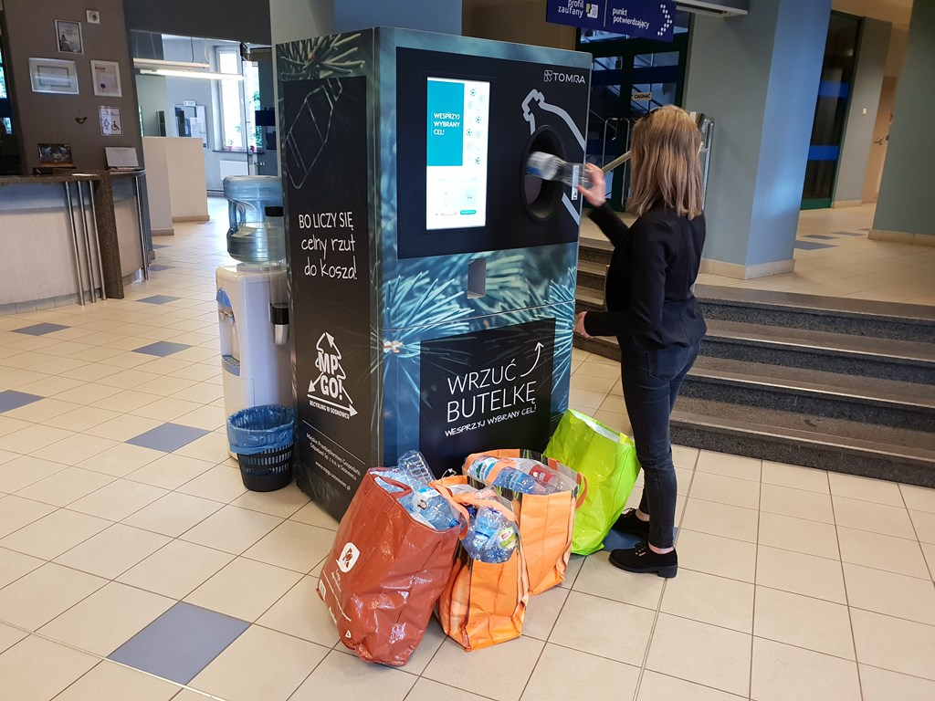 W Sosnowcu pojawiły się nowe automaty na butelki – fot. UM Sosnowiec