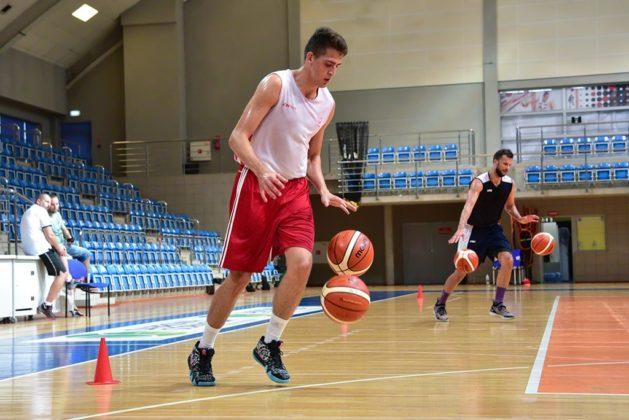 Pierwszy trening koszykarzy z Dąbrowy Górniczej – fot. MKS Dąbrowa Górnicza