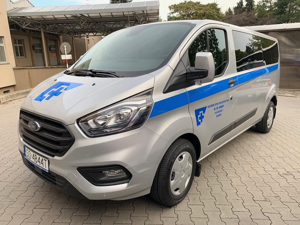 Wojewódzki Szpital Specjalistyczny nr 5 ma nowy bus dla pacjentów – fot. mat. pras.