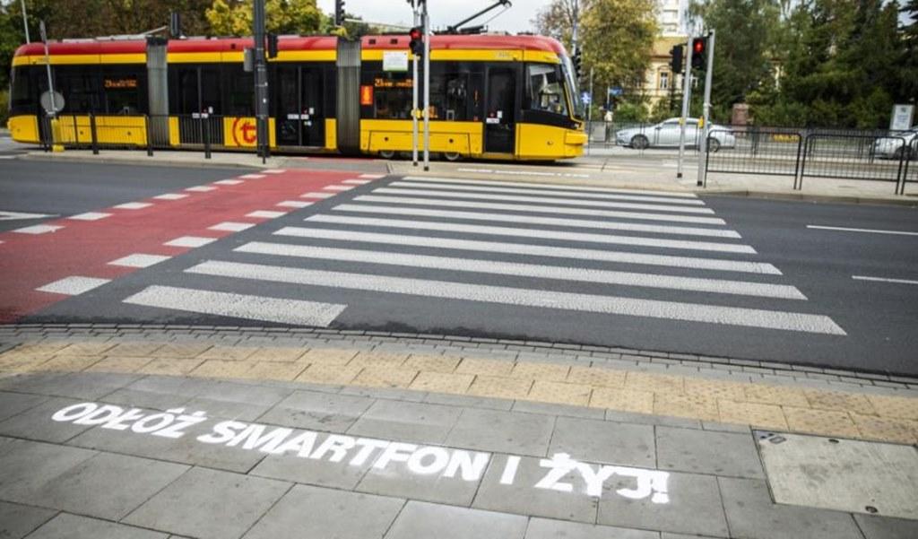 """""""Odłóż smartfon i żyj!"""" - fot. UM Warszawa"""