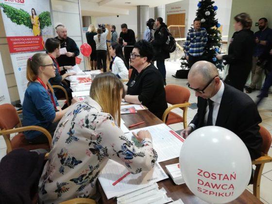 Samorządowcy z Zagłębia pomagają choremu na białaczkę Kubie – fot. Dariusz Nowak