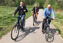 Marcin Bazylak na rowerze – fot. UM Dąbrowa Górnicza