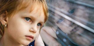 Dziecko, pociąg - fot. Pixabay