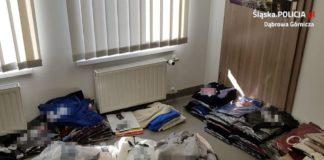 Zabezpieczyli podrabianą odzież – fot. Policja Dąbrowa Górnicza