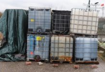 Niebezpieczne dla środowiska odpady - fot. KMP w Dąbrowie Górniczej