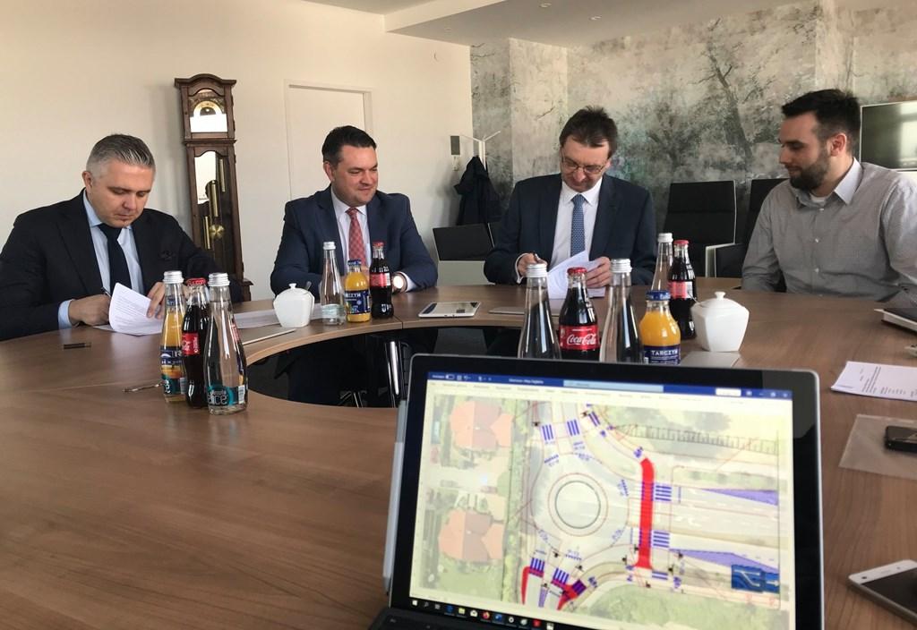 Podpisanie umowy na modernizację al. Zagłębia Dąbrowskiego i ul. Tysiąclecia – fot. UM Dąbrowa Górnicza