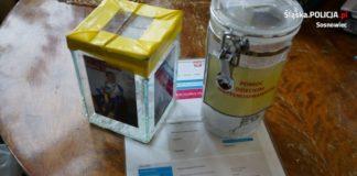 Miał w mieszkaniu puszki z nierozliczonej zbiórki na rzecz chorego dziecka - fot. KMP w Sosnowcu