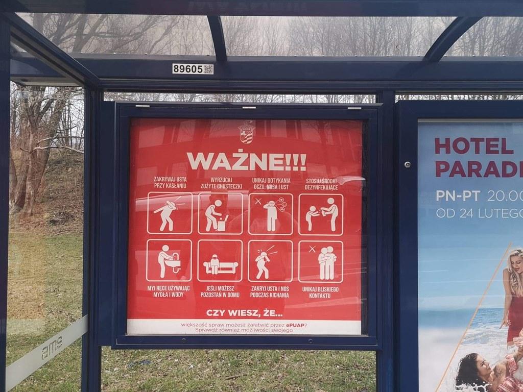 Plakaty o koronawirusie na przystankach - fot. UM Sosnowiec