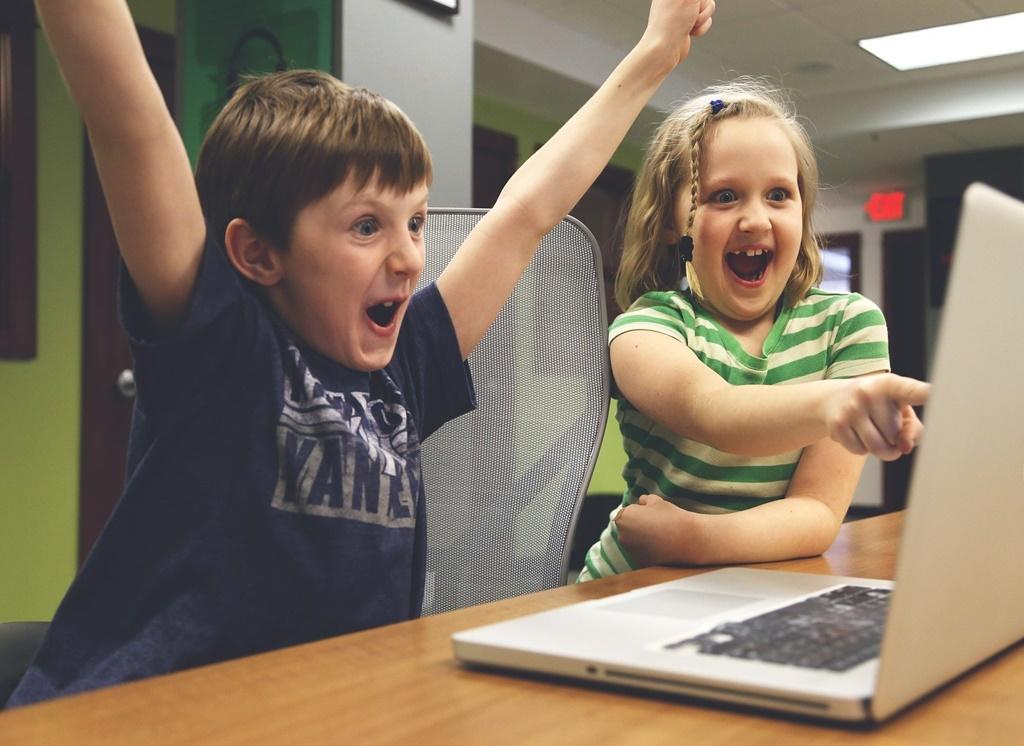 Komputer, dzieci - fot. Pixabay