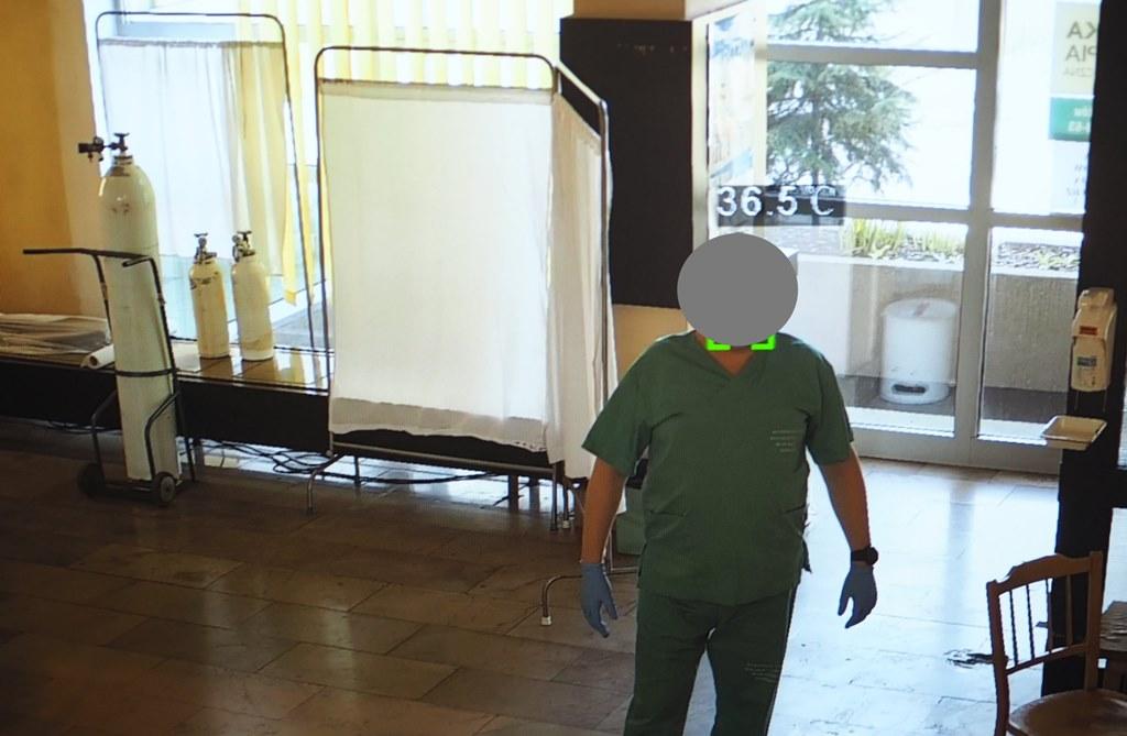 Kamery termowizyjne sprawdzają temperaturę pacjentów – fot. Szpital św. Barbary w Sosnowcu
