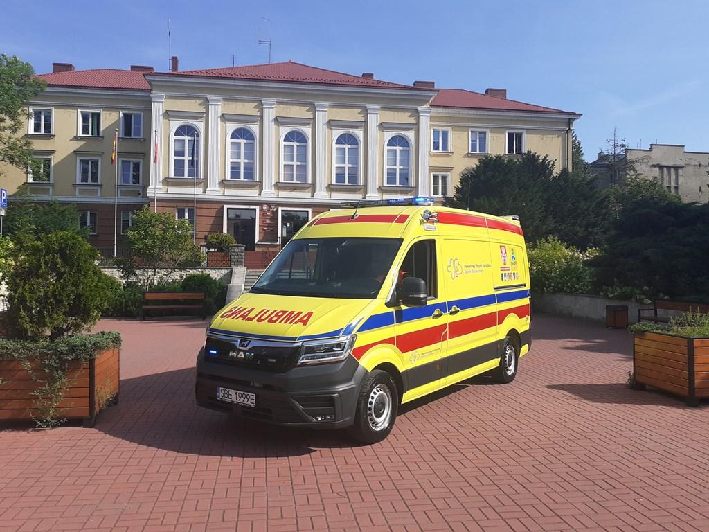Nowy ambulans dla czeladzkiego szpitala – fot. Szpital Czeladź