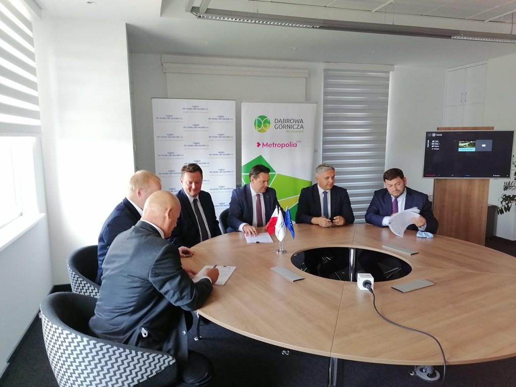 Podpisanie umowy na budowę centrum przesiadkowego - fot. UM Dąbrowa Górnicza